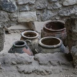 Akrotiri pots.