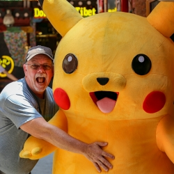 Greg and Pikachu in Tianzifang alley.