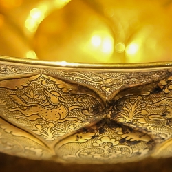 Qin dynasty gold bowl detail.